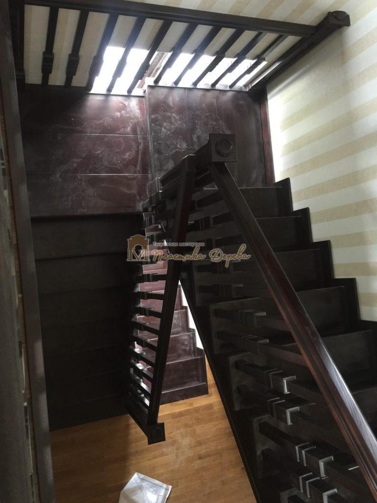 Фото 19 полувинтовой лестницы из ясеня