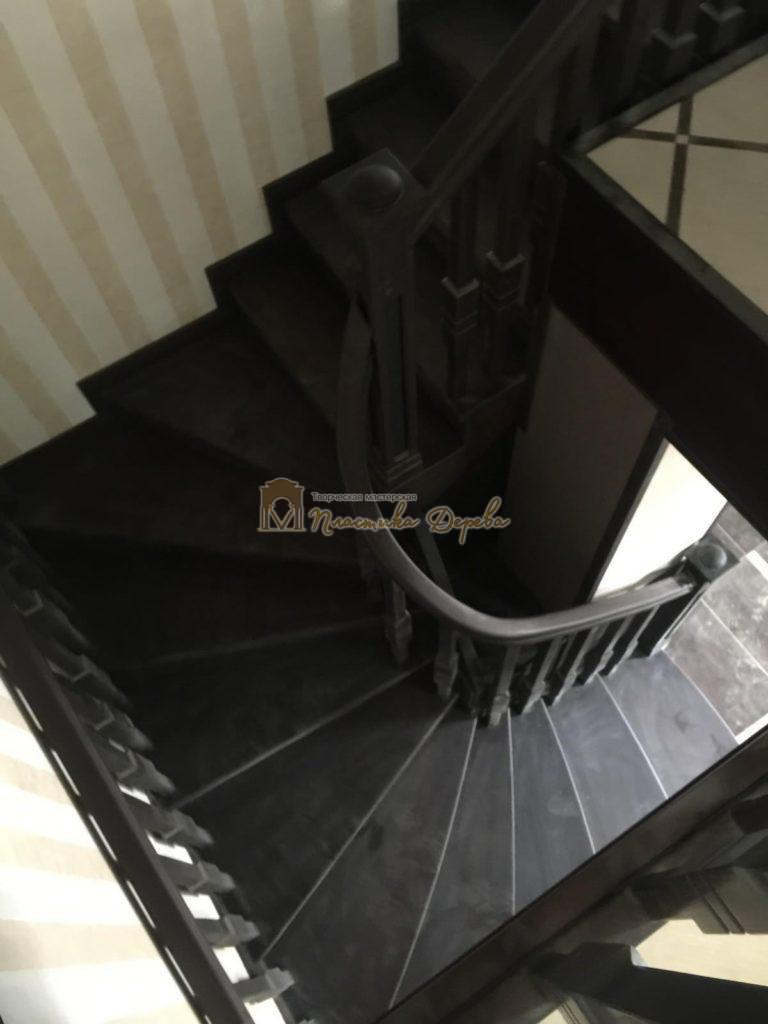 Фото 23 полувинтовой лестницы из ясеня