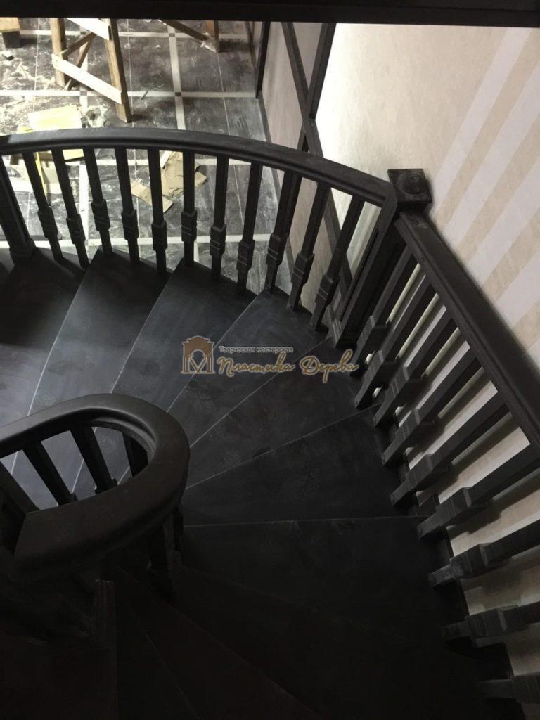 Фото 26 полувинтовой лестницы из ясеня