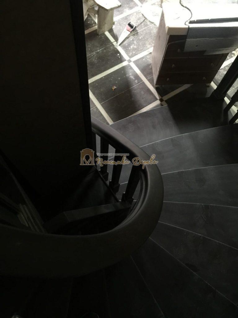 Фото 27 полувинтовой лестницы из ясеня