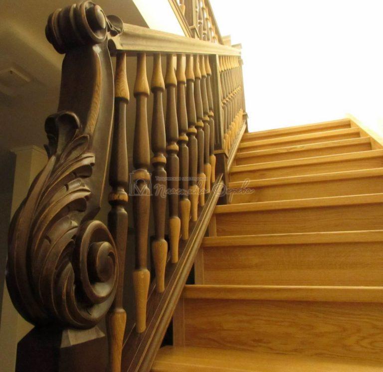 Фото 26 лестницы из дуба в испанском стиле