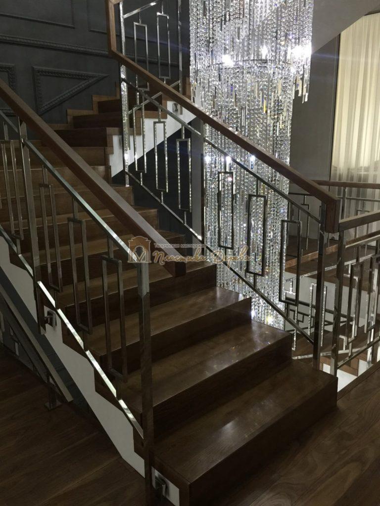 Фото 3 лестницы из ясеня с металлическим ограждением