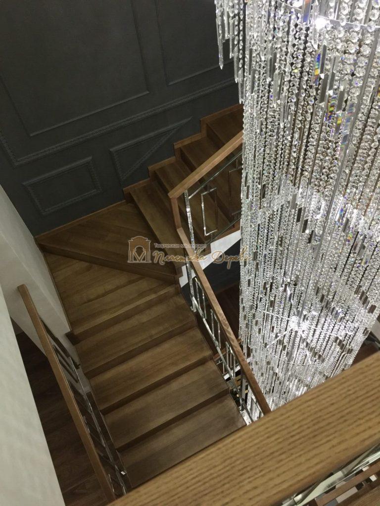 Фото 8 лестницы из ясеня с металлическим ограждением