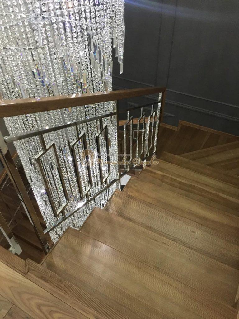Фото 9 лестницы из ясеня с металлическим ограждением