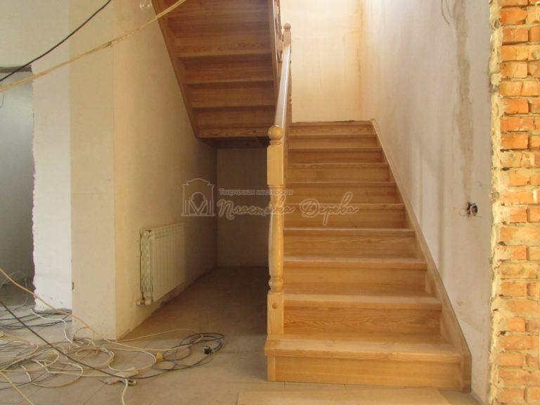 Фото 1 лестницы из ясеня под лак