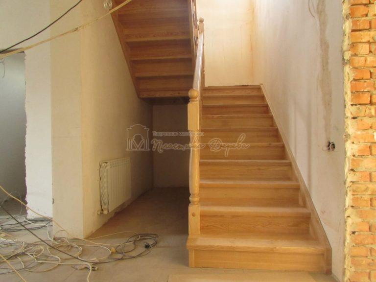 Фото 2 лестницы из ясеня под лак