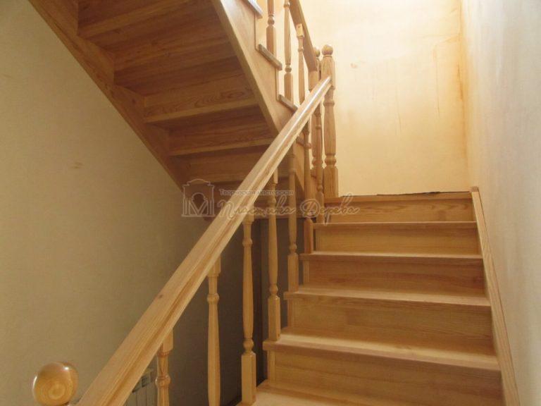 Фото 3 лестницы из ясеня под лак