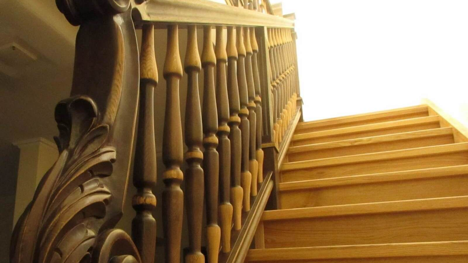 Лестница из дуба (фото)