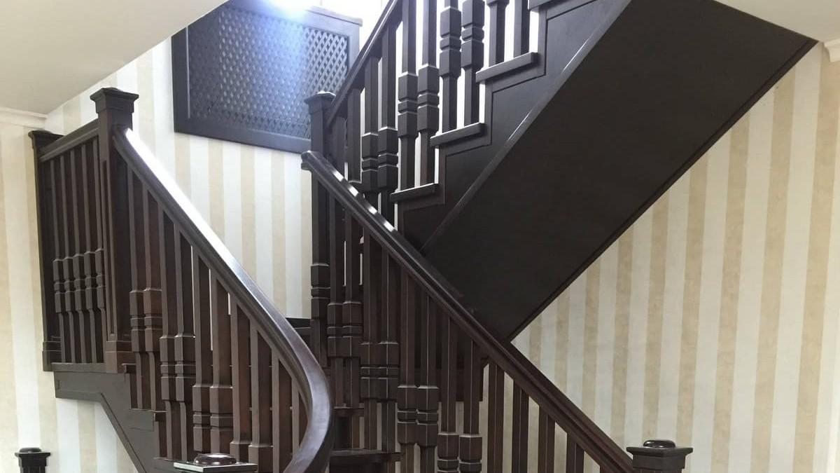 Лестница на косоурах (фото)