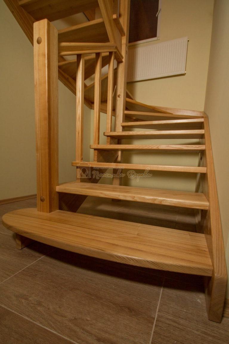 Фото 6 лестницы из ясеня без подступенек