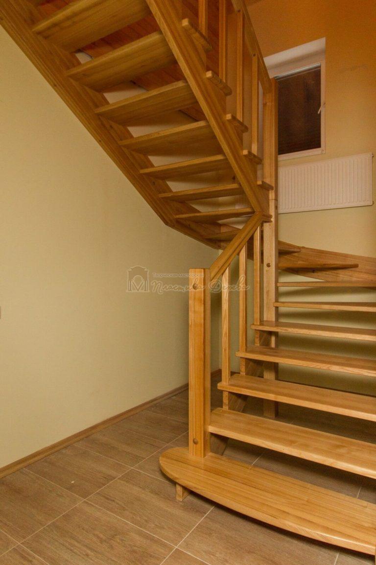 Фото 7 лестницы из ясеня без подступенек