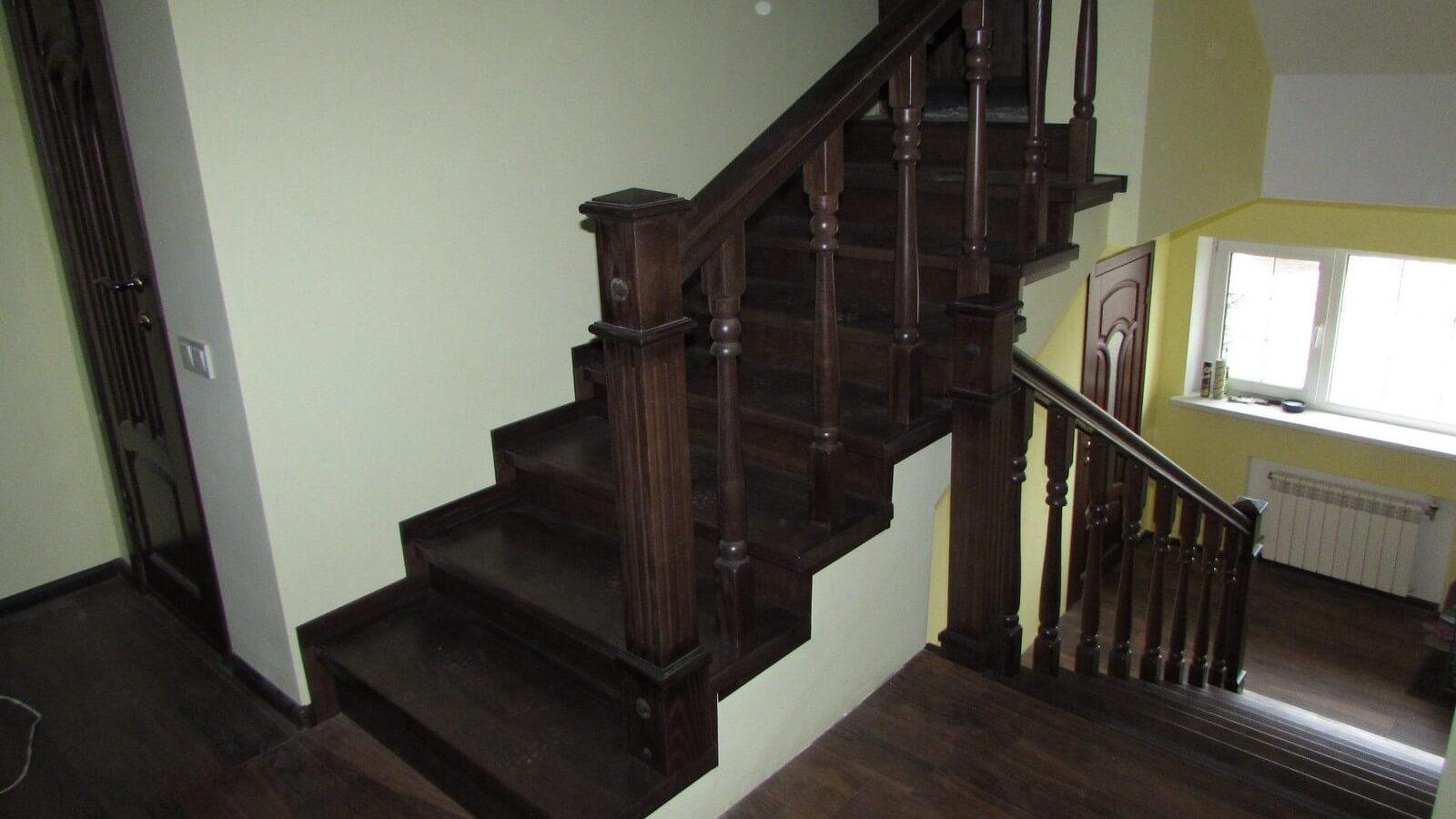 Облицовка лестниц деревом (фото)