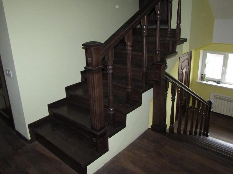 Обшивка бетонных и металлических лестниц деревом
