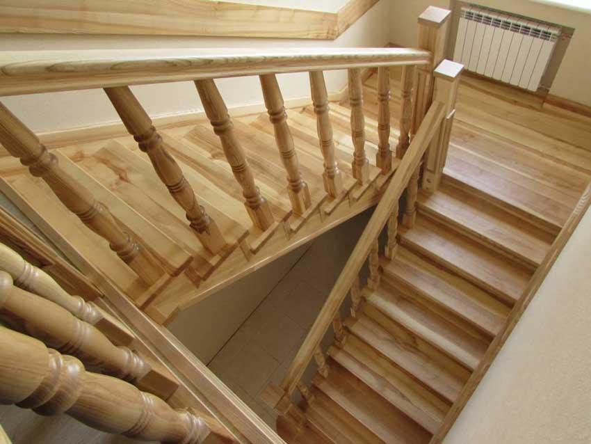 Деревянная лестница (фото лестницы)