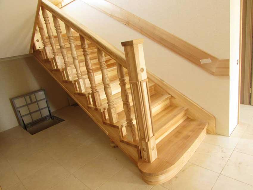 Изготовление лестниц из дерева (фото изделия)