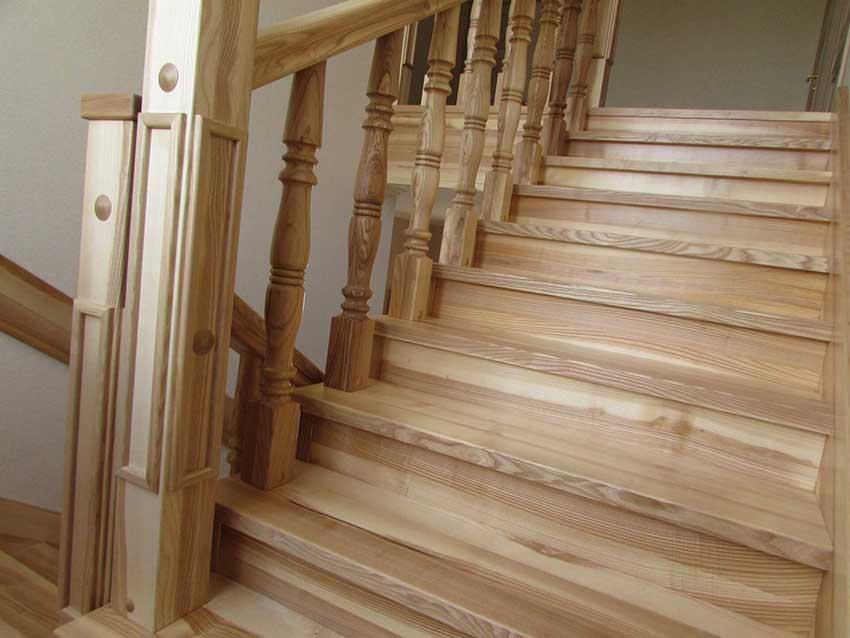 Купить лестницу из дерева (фото лестницы)