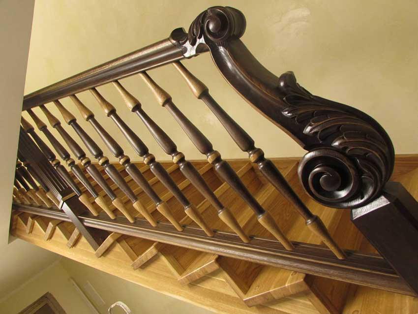Деревянная лестница (фото)