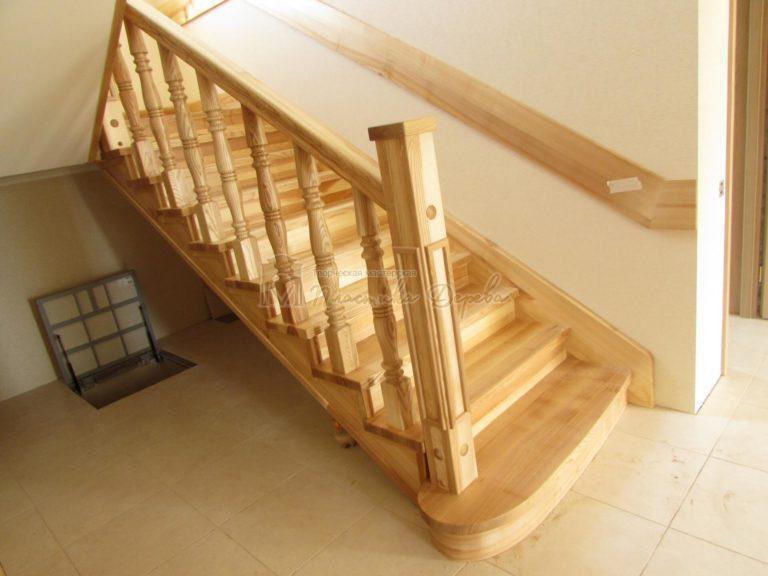 Фото 6 лестницы из ясеня с площадкой