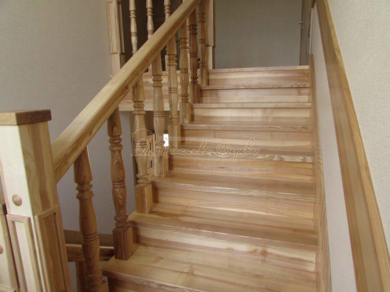 Фото 8 лестницы из ясеня с площадкой
