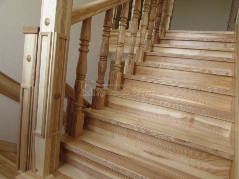 Фото 9 лестницы из ясеня с площадкой