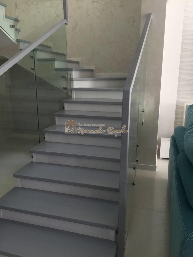 Фото 2 комбинированной лестницы