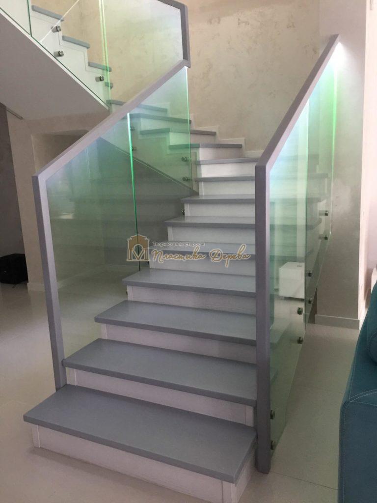 Фото 3 комбинированной лестницы