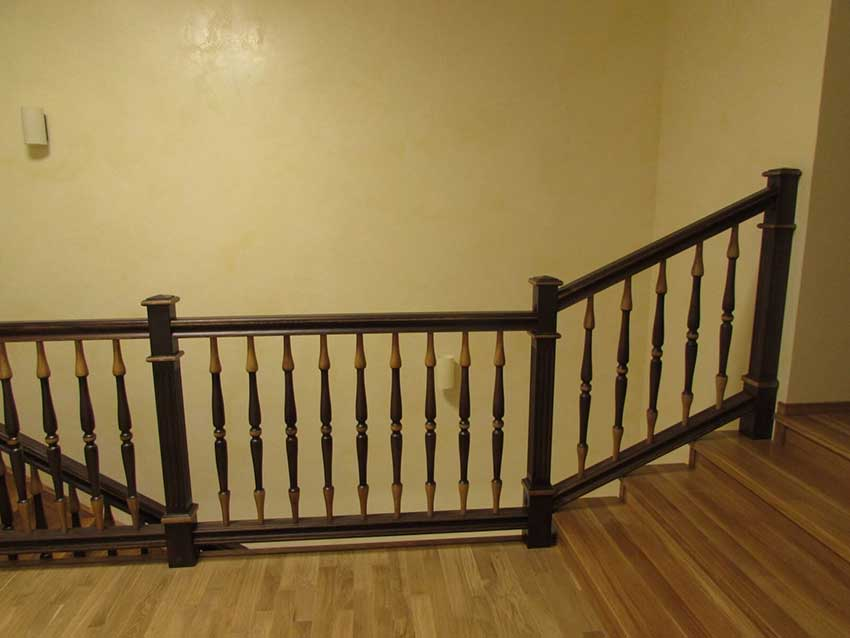 Лестницы из дерева (Чернигов). Фото лестницы