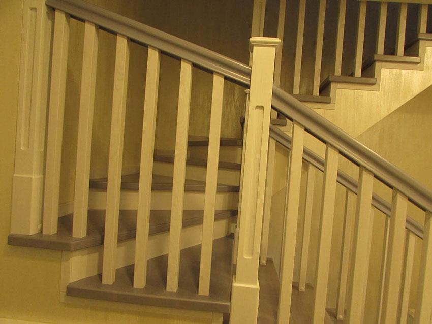 Изготовление деревянных лестниц (Одесса). Фото лестницы из ясеня