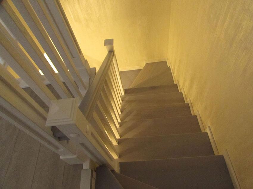 Лестницы в Одессе (фото лестницы из ясеня)