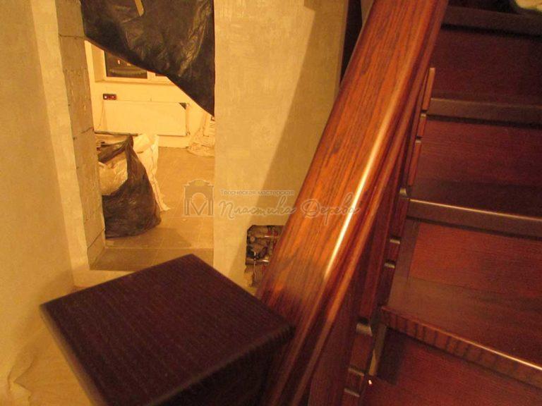 Полувинтовая лестница из ясеня (фото 17)