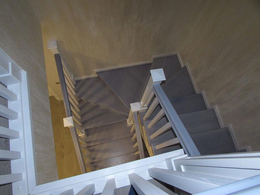 Лестницы (Киев), Фото лестницы из ясеня