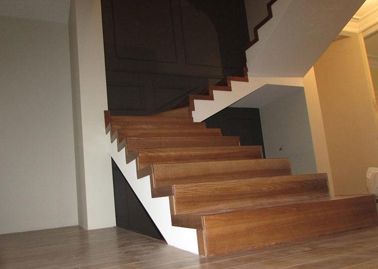 Внутридомовые лестницы. Фото конструкции