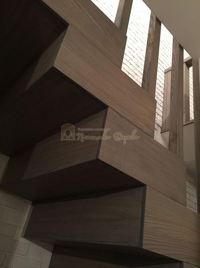 Лестница со ступеньками без свеса (фото 3)