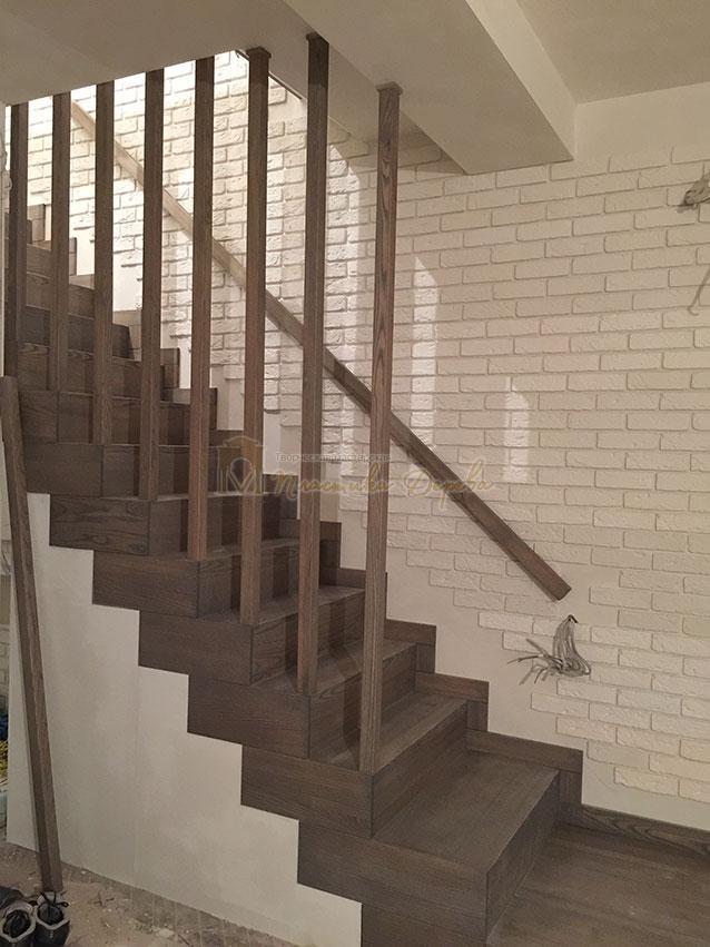 Лестница со ступеньками без свеса (фото 5)