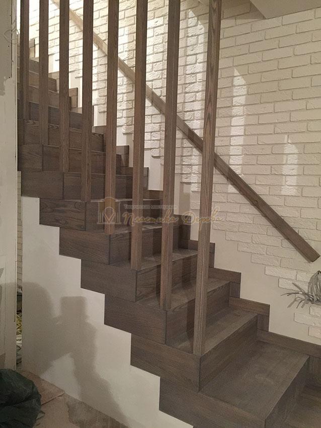 Лестница со ступеньками без свеса (фото 9)