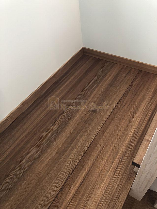 Лестница в комбинации морёного и белёсого ясеня (фото 6)