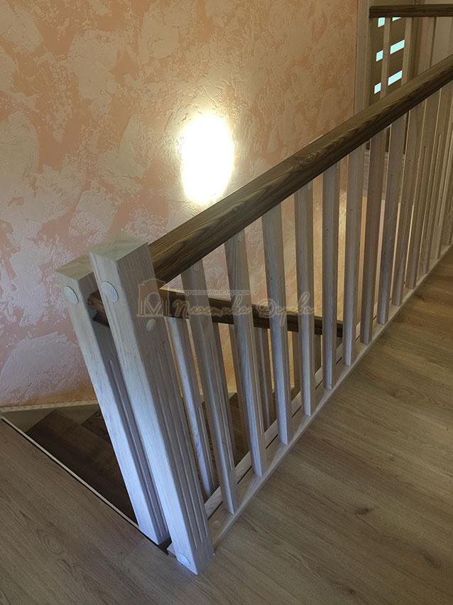 Лестница из ясеня без подступенек (фото 2)