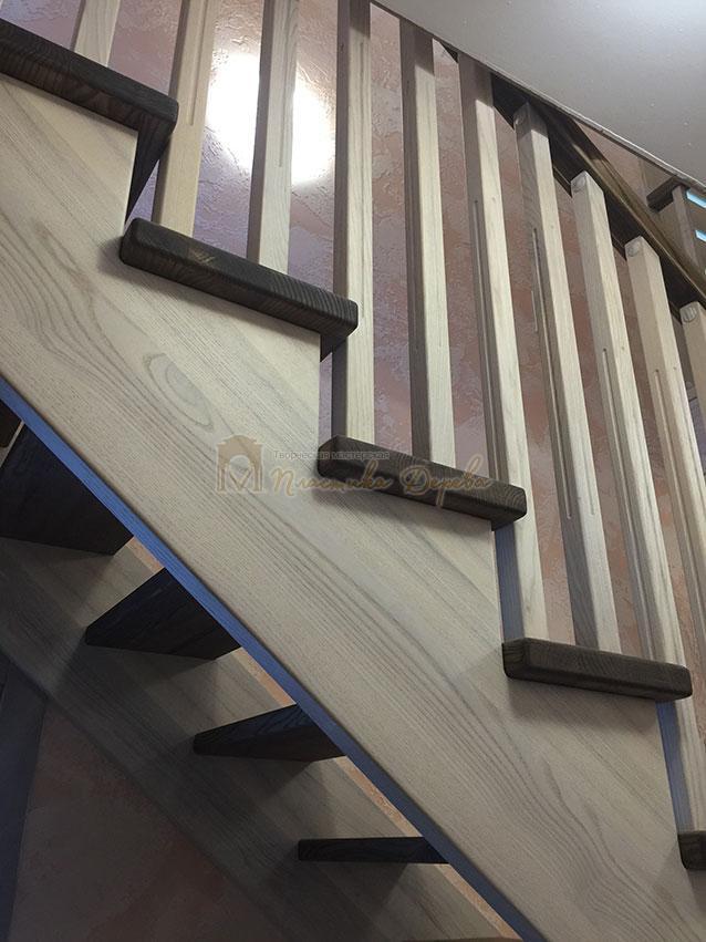 Лестница из ясеня без подступенек (фото 7)