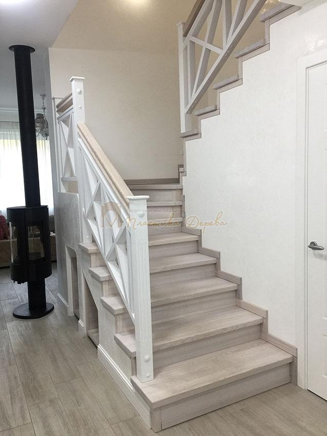 Лестница в стиле прованс (фото 7)
