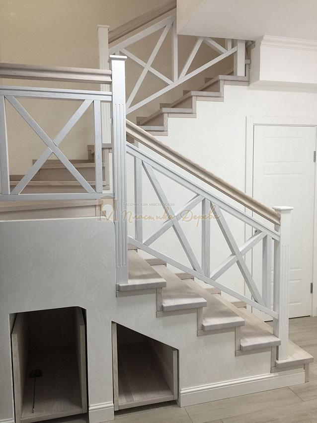 Лестница в стиле прованс (фото 6)