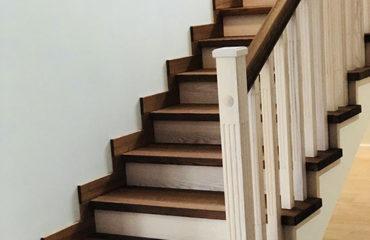 Лестница в комбинации морёного и белёсого ясеня (превью)