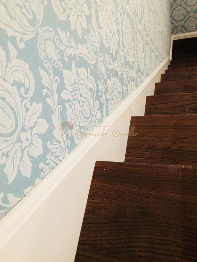 Деревянная лестница с подступеньками из МДФ (фото 3)