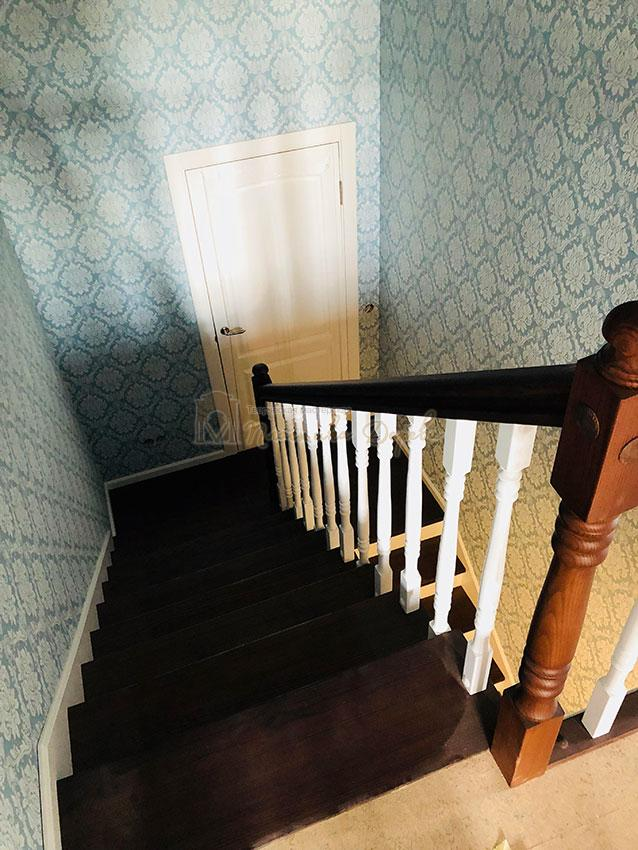 Деревянная лестница с подступеньками из МДФ (фото 8)