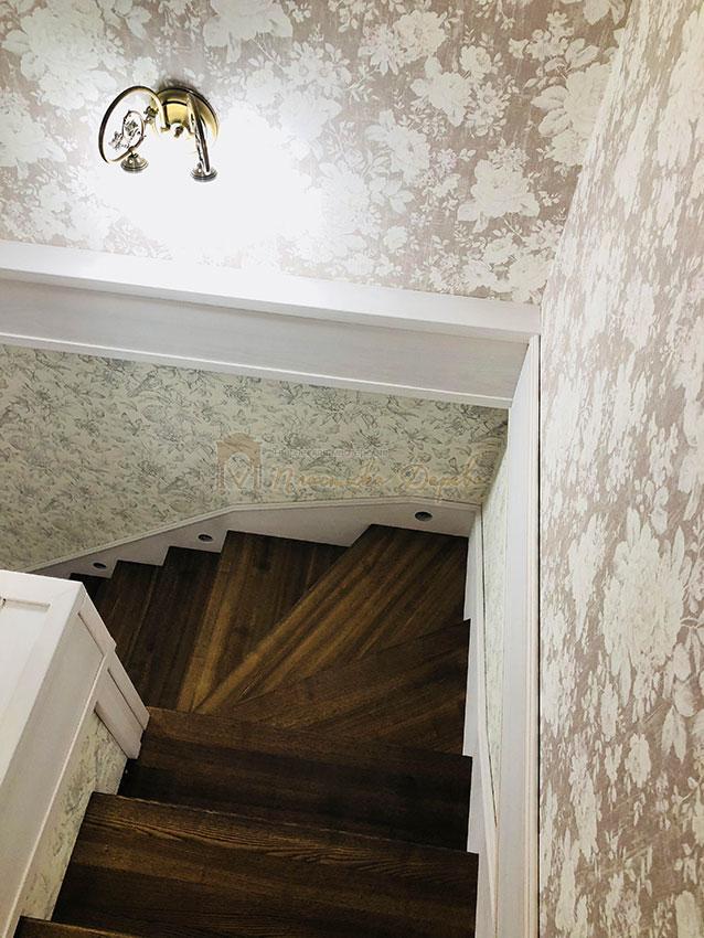 Обшивка металлических конструкций лестницы деревом (фото 4)