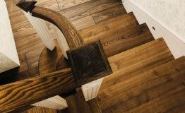 Обшивка металлических конструкций лестницы деревом (превью)