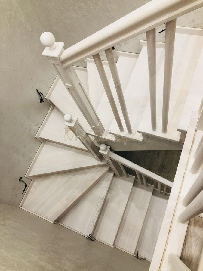 Лестница в селе Новые Петровцы (фото 6)