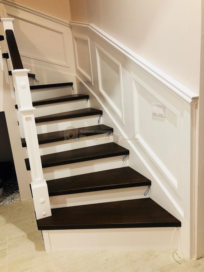 Лестница с декоративными панелями (фото 2)