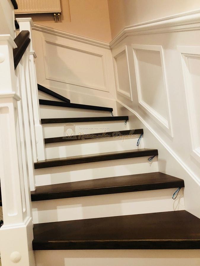 Лестница с декоративными панелями (фото 3)