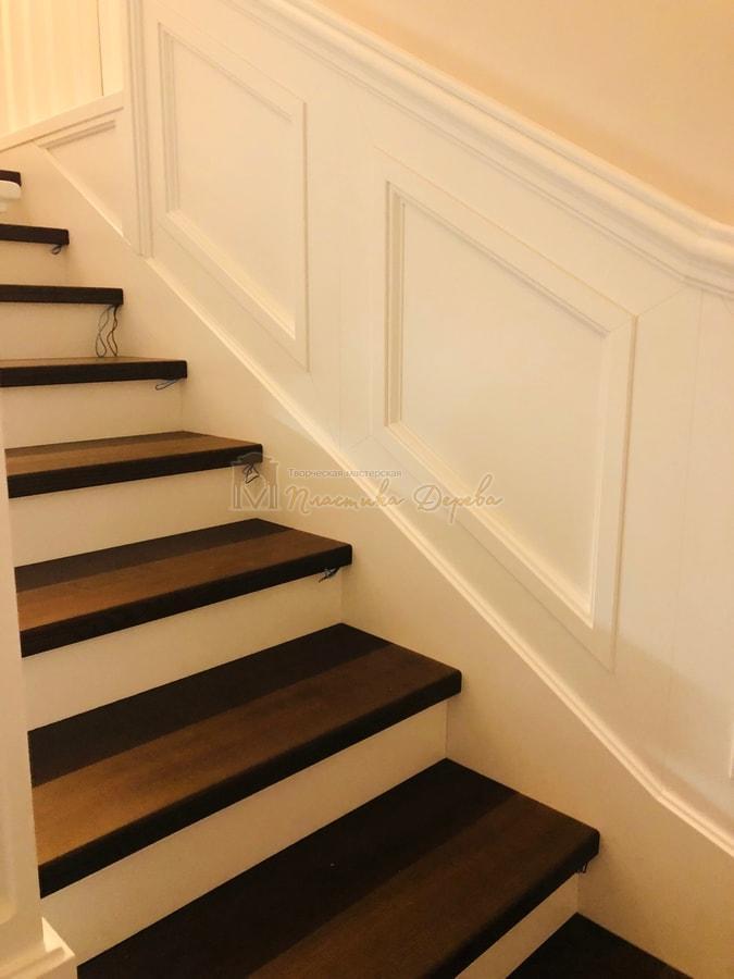 Лестница с декоративными панелями (фото 7)