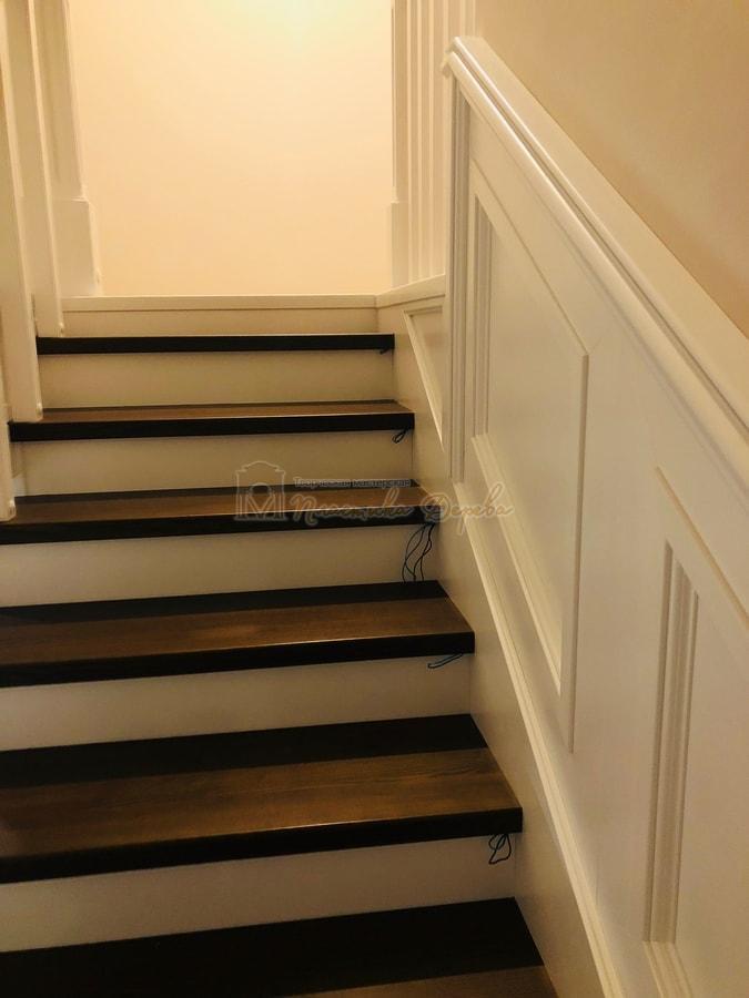 Лестница с декоративными панелями (фото 9)